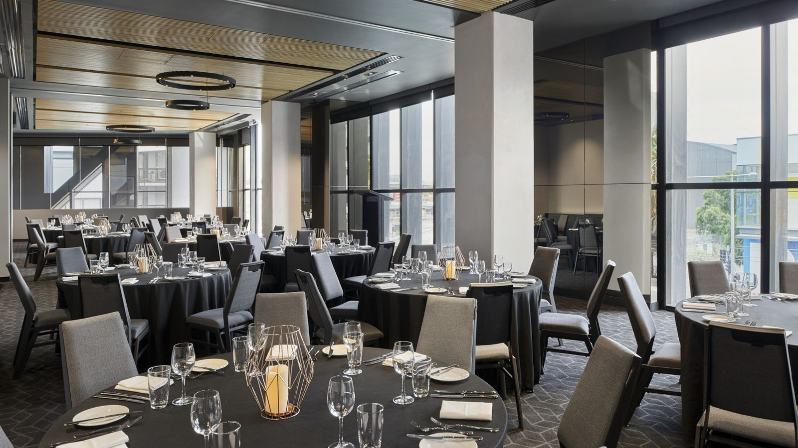Docklands Meeting Room - Banquet